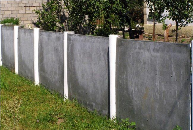 Забор из плоского шифера